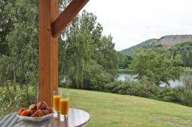 location-chalets_terrasse-lac2